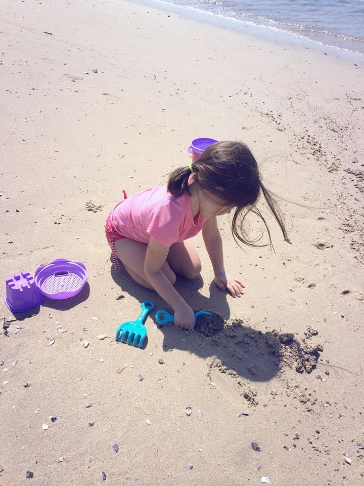Botany Bay: Build a sandcastle at the beach with a moat