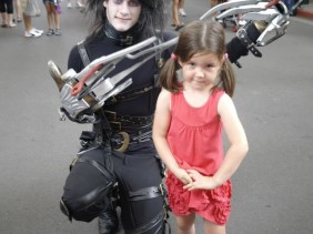 Movie World on the Gold Coast : Superheroes, Cartoon Friends + Laughter