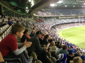 An Introduction to AFL : A Trip to Etihad Stadium to See North Melbourne Play