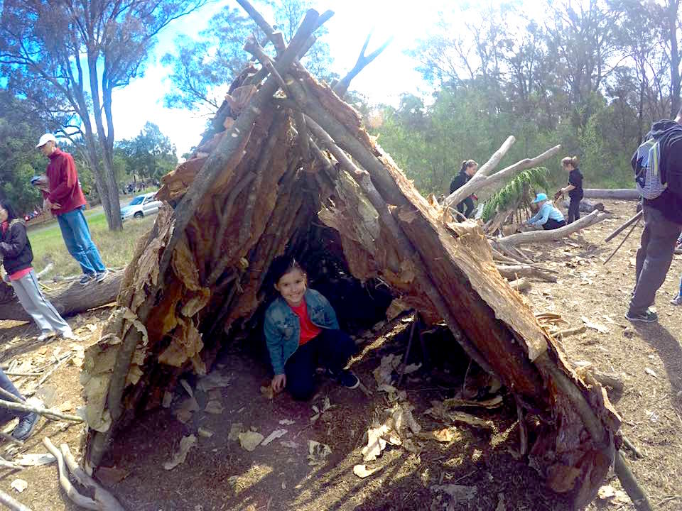 how to build a survival shelter in florida