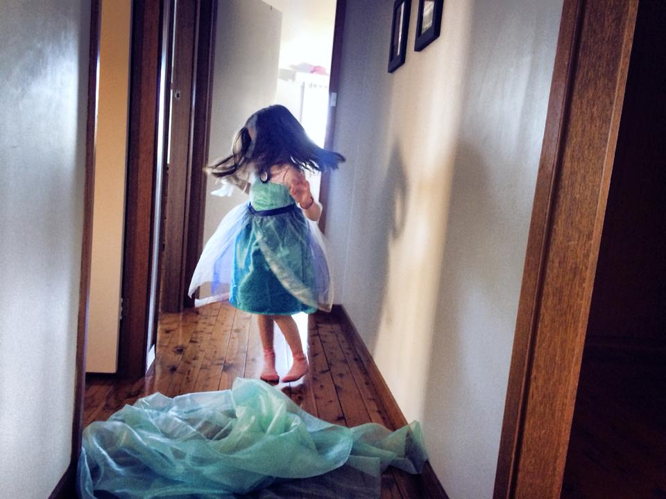 A Disney Frozen Party : Backyard Party Games, Laughter