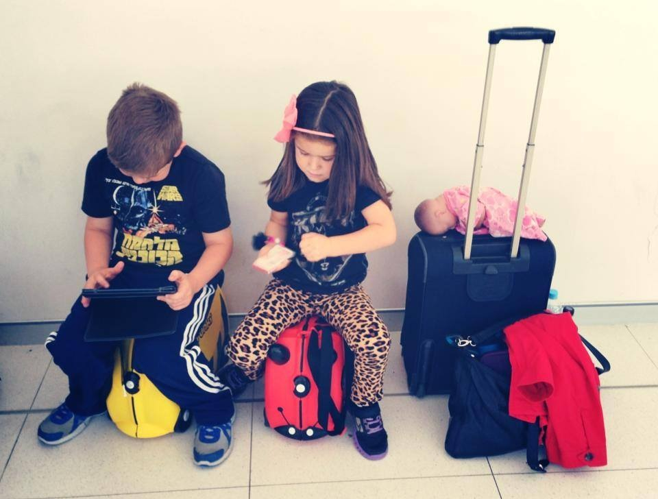 Travelling with Kids : Top Tips to Make Travel a Thrilling and Happy Adventure for Everyone