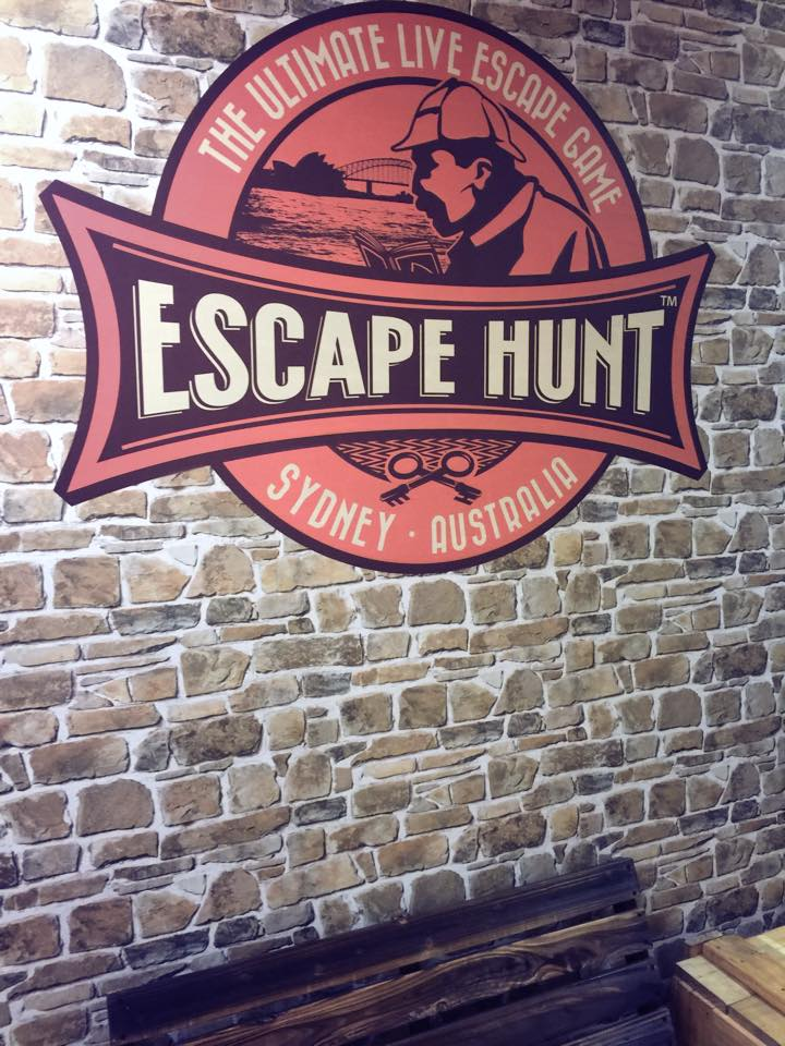 The Escape Hunt Experience : A Live Sherlock Holmes Experience For The Whole Family