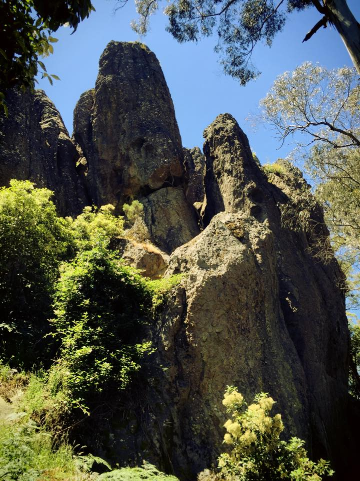 how to get to hanging rock victoria