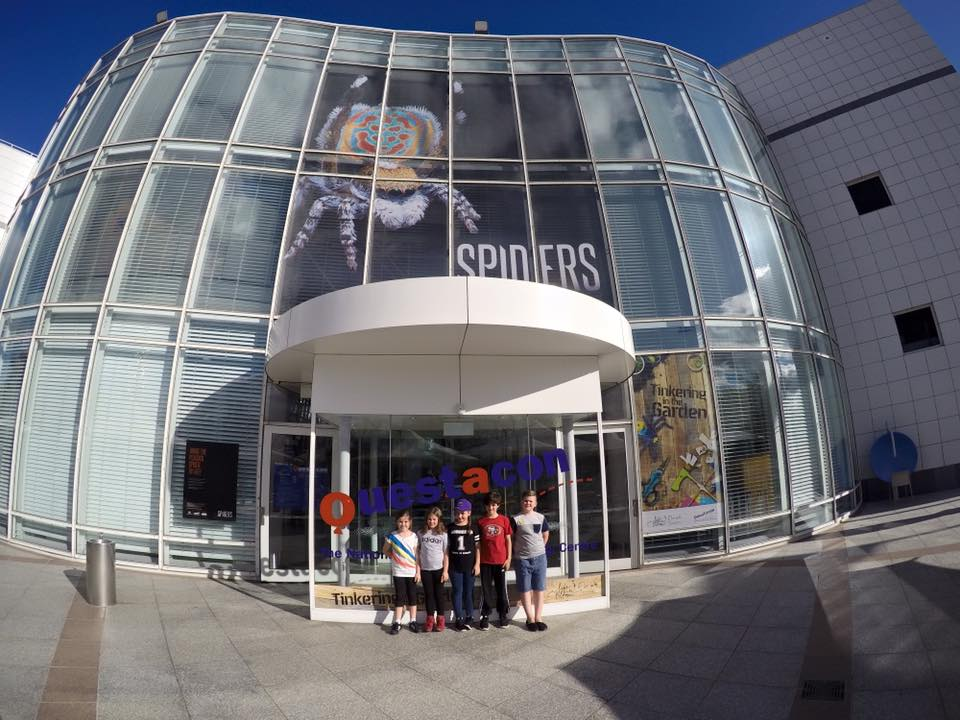 Questacon : Exploring The National Science and Technology Centre with Kids