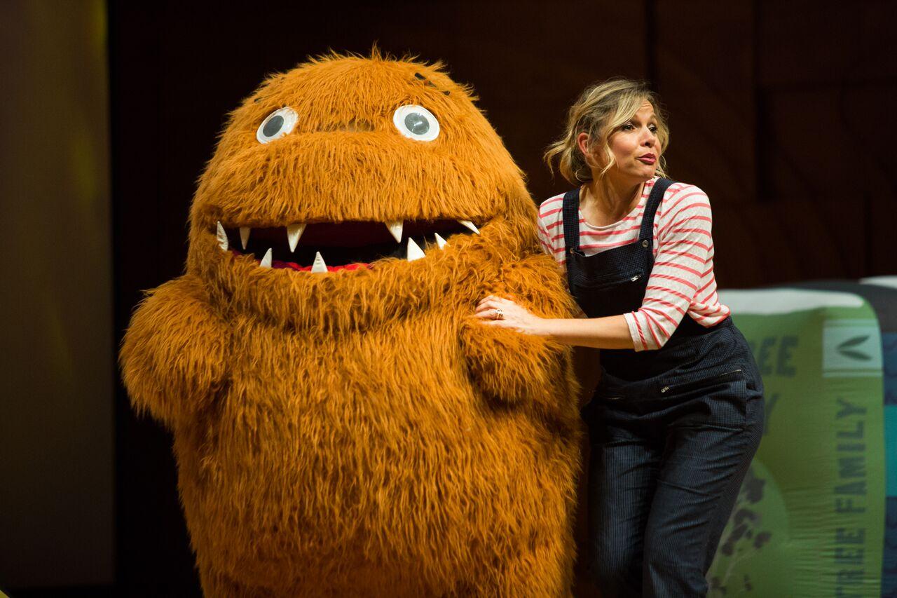 Justine Clarke's Look! Look! It's a Gobbledeegook!